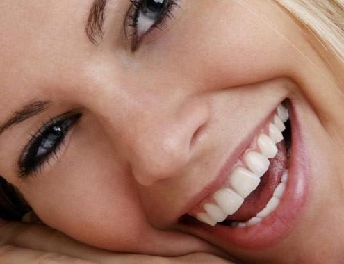 Impianti-dentali-senza-dolore-roma
